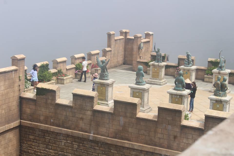 Khu trưng bày chụp ảnh 12 cung hoàng đạo-Bà Nà Hill